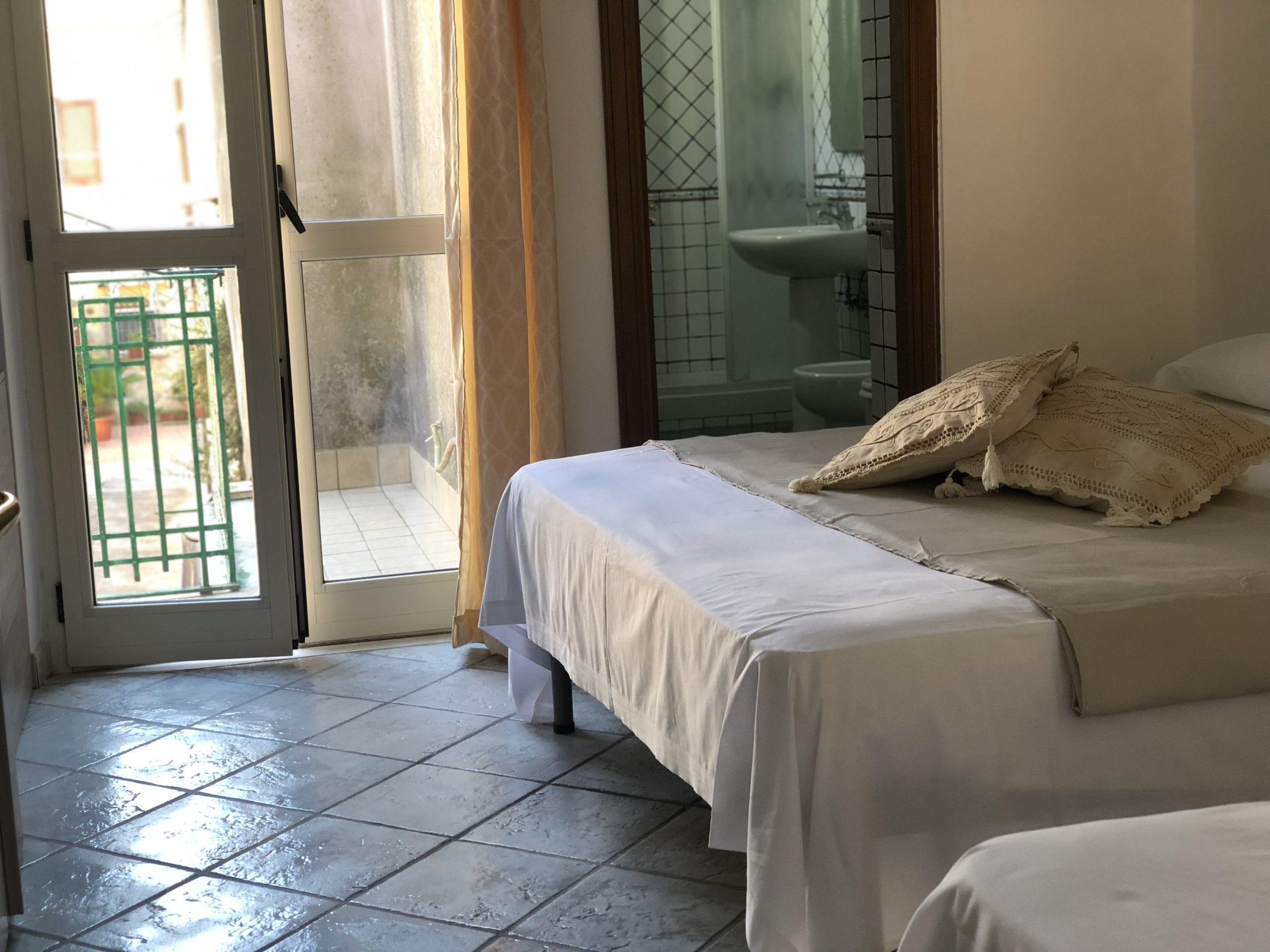 Camera da letto appartamento Hotel Vietri Coast
